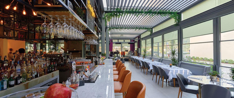 Commercial 10 1500x630 - Lamellendach Skyroof für die Gastronomie