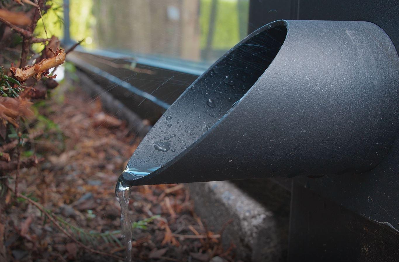 lamellendach skyroof palmiye terrassenueberdachung privat 0springe .JPG - Referenz Projekt - Geschützter Terrassenplatz für schöne Stunden
