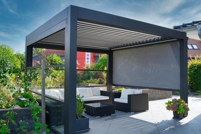 lamellendach skyroof palmiye terrassenueberdachung privat 76springe .JPG 700x467 - Referenz Projekt - Geschützter Terrassenplatz für schöne Stunden
