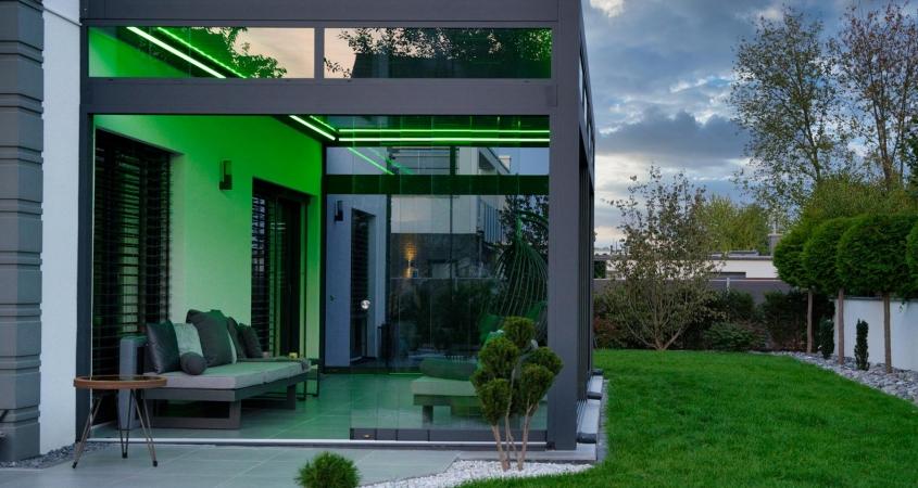 lamellendach skyroof palmiye terrassenueberdachung privat springe 10.1 845x450 - Stimmungsvolle LED-Beleuchtung für Terrassendach und Kaltwintergarten