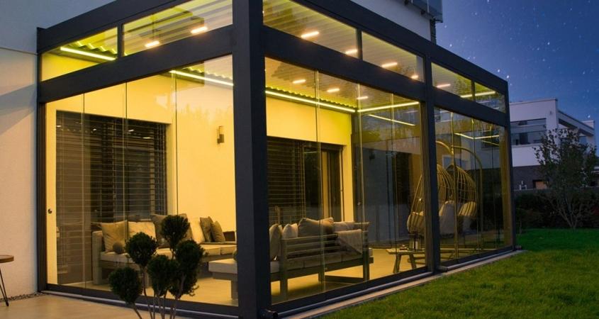 lamellendach skyroof palmiye terrassenueberdachung privat springe 17 4 B 845x450 - Stimmungsvolle LED-Beleuchtung für Terrassendach und Kaltwintergarten