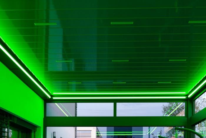 lamellendach skyroof palmiye terrassenueberdachung privat springe 50 3 700x467 - Stimmungsvolle LED-Beleuchtung für Terrassendach und Kaltwintergarten