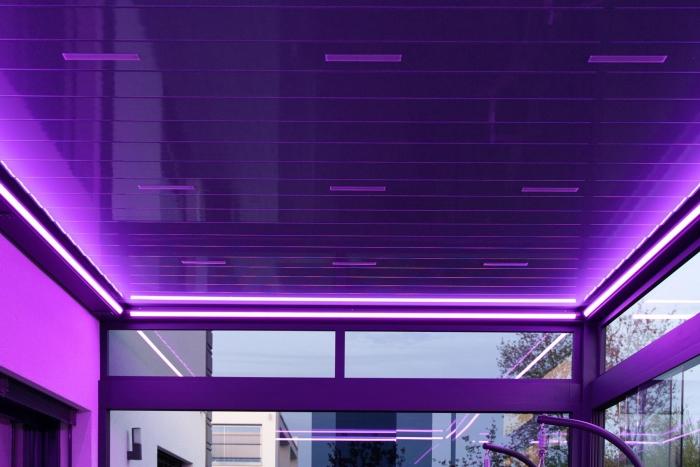 lamellendach skyroof palmiye terrassenueberdachung privat springe 50 5 700x467 - Stimmungsvolle LED-Beleuchtung für Terrassendach und Kaltwintergarten