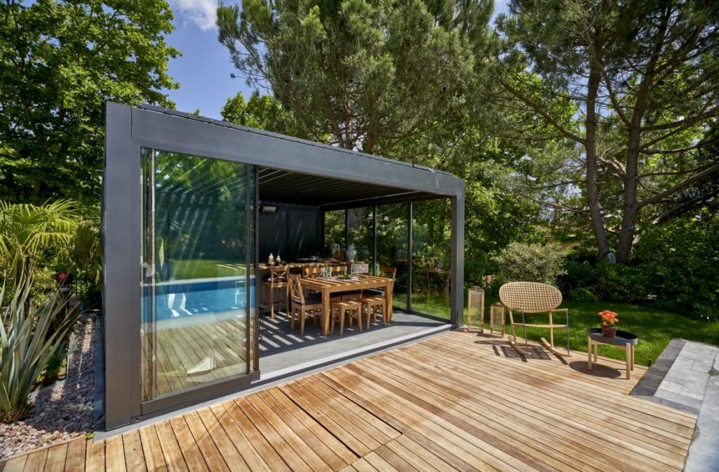 lamellendach skyroof palmiye kaltwintergarten pool 13 1030x676 - Auffahrbares Lamellendach Skyroof Prestige