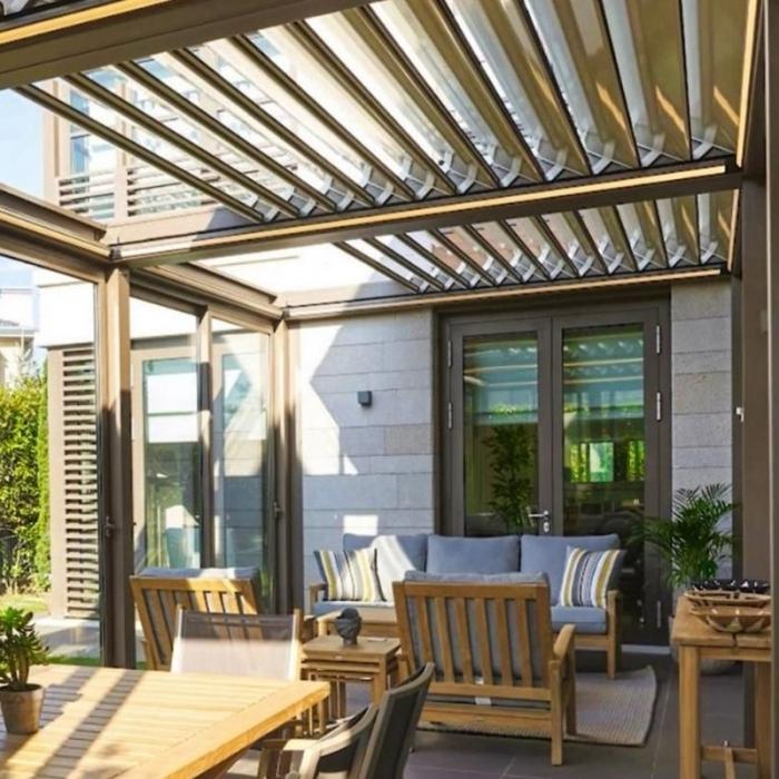 lamellendach skyroofprestige palmiye terrassenueberdachung privat GB 1 700x700 - PALMIYE - eine Geschichte mit Erfolg - ÜBER UNS