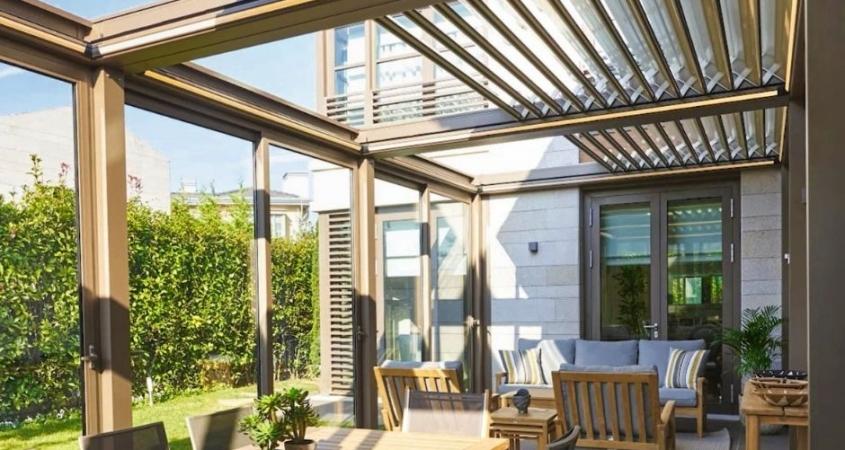 lamellendach skyroofprestige palmiye terrassenueberdachung privat jpeg 11 845x450 - Lamellendach mit Cabriofeeling - Referenz-Projekt