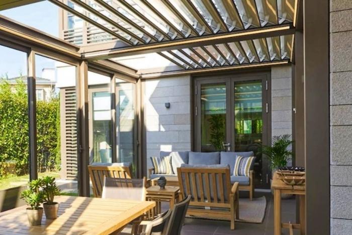 lamellendach skyroofprestige palmiye terrassenueberdachung privat jpeg 2 700x467 - Lamellendach mit Cabriofeeling - Referenz-Projekt