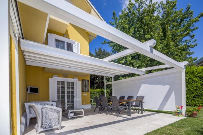 pergola silver palmiye terrassenueberdachung 30 700x467 - Terrassendach nach Maß - Referenz-Projekt