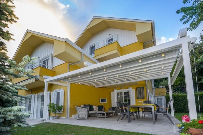 pergola silver palmiye terrassenueberdachung 34 700x467 - Terrassendach nach Maß - Referenz-Projekt