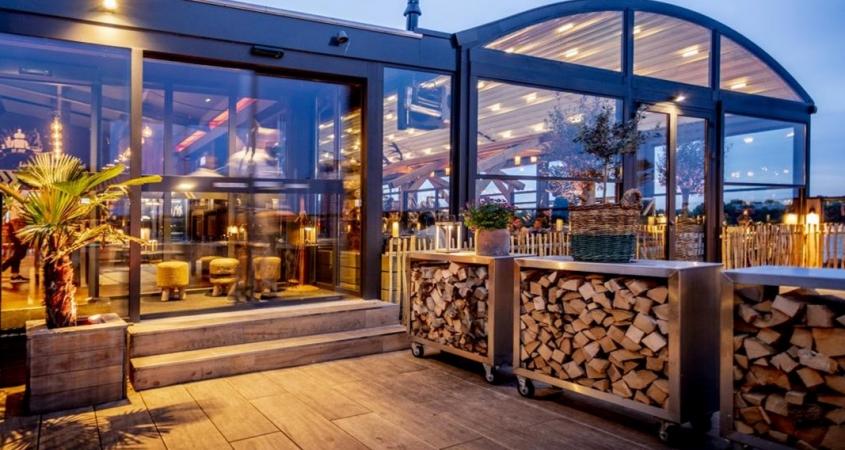 pergola crown palmiye terrassenueberdachung gastronomie dukdalf B 845x450 - Riesige Terrassenüberdachung Restaurant Dukdalf – Referenzprojekt