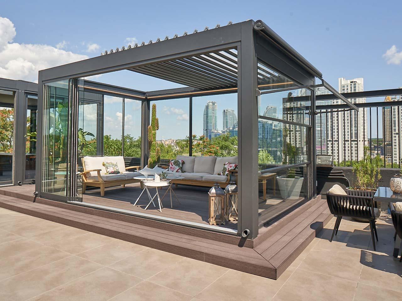 lamellendach skyroofprestige palmiye terrassenueberdachung lounge mudo 8 - Auffahrbares Lamellendach Skyroof Prestige