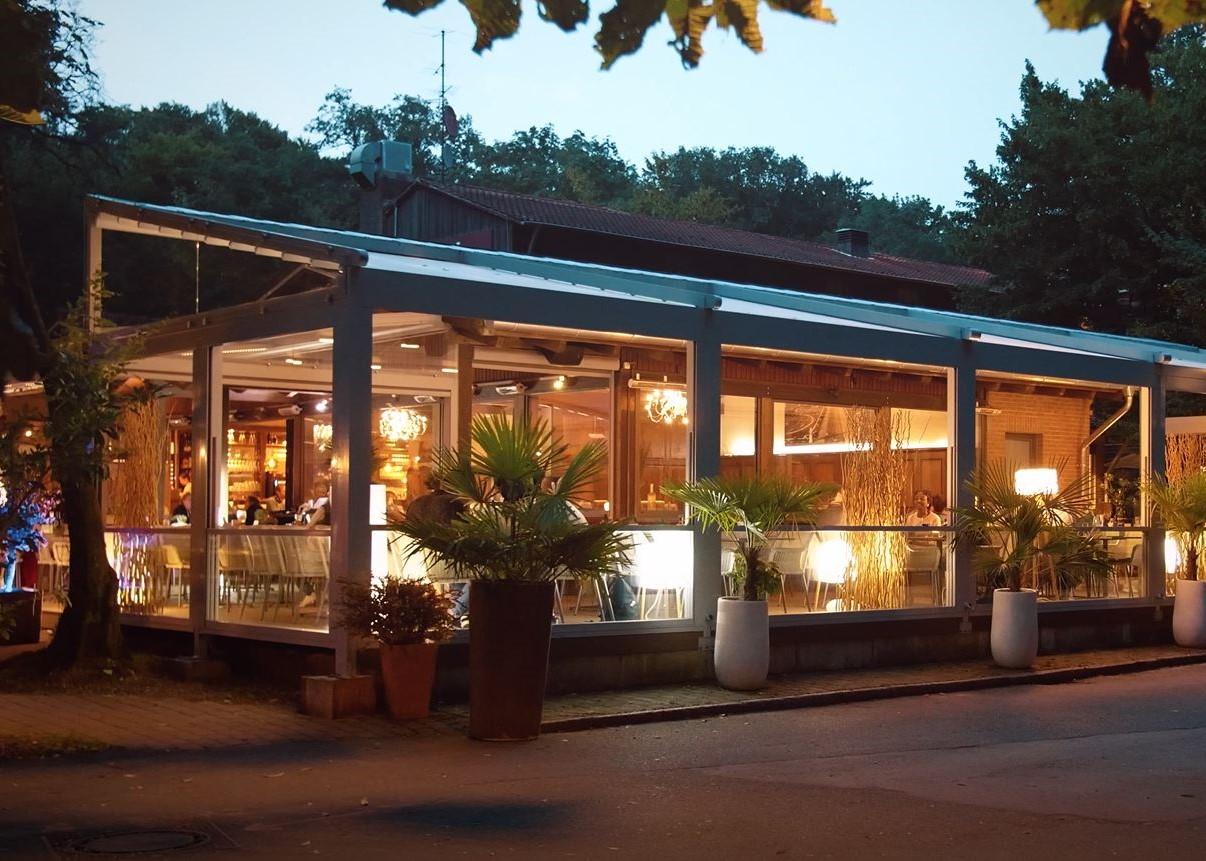 palmiye terrassenueberdachung gastronomie bischofshol 10.1 - Terrassenüberdachung Restaurant BISCHOFSHOL