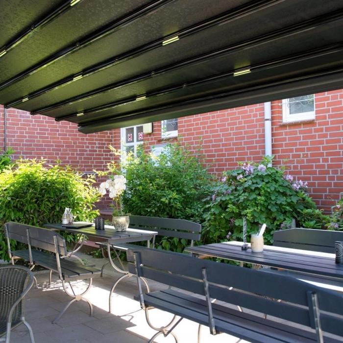 pergola marine palmiye gastronomie ueberdachung roxie 52 700x700 - Terrassenüberdachung - Perfekt für vier Jahreszeiten im Lokal ROXIE