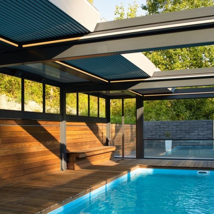 terreassenueberdachung skyroof prestige palmiye privat pauser 97.1 700x700 - Terrassenüberdachung wird zum Poolhaus dank Sonderanfertigungen